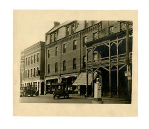 barnes_bar0213003_undated_s_pleasant_s_buildings_hotels_amherst_house.jpg