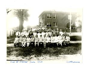barnes_bar0062001_1928_east_st_school_portrait_june_6_1928.jpg