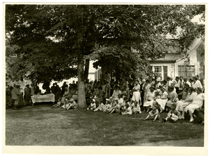barnes_bar0006008_1930_lawn_fete_21_july_1930.jpg