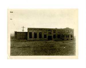 barnes_bar0217002_1929_st_rr_barn_car barn_s_pleasant_st_east_side_nov_9_1929.jpg